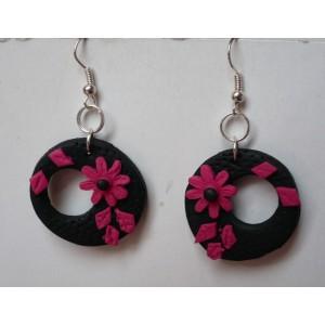 Náušnice FIMO kroužky s kytičkou černo růžové