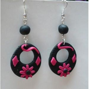 Náušnice FIMO kruhy s květy černorůžové