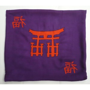 Povlak na polštář, textilní ručně malovaný dekorační polštářek 34 x 38 cm japonský motiv Torii