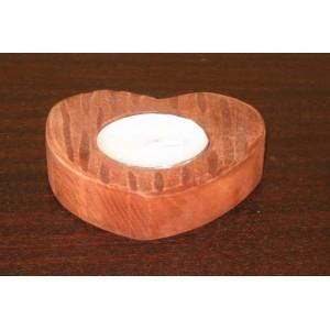 Svícen pro 1 čajovou svíčku dřevěný ručně vyřezávaný srdce